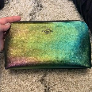 Hologram leather cosmetic case